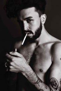 modesynthese-marian-knecht-model-zigaretten-bild